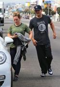 http://img217.imagevenue.com/loc622/th_806923142_Hilary_Duff_Going_to_Workout16_122_622lo.jpg