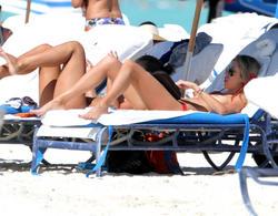 http://img217.imagevenue.com/loc711/th_260213473_lauren_stoner_bikini_topless_march19_2012_39_123_711lo.jpg