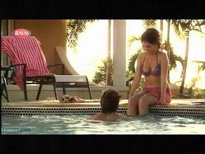 Yolanthe Van Kasbergen - bikini