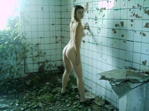 http://img217.imagevenue.com/loc961/th_107298552_Sensual_saggy_Nina_gets_horny_when_flashing_in_nature_24_123_961lo.jpeg